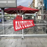 "Toldos Antolín Expertos en ""Mamparas Divisorias Anticontagio"" con Toldos Antolin en Cantabria"